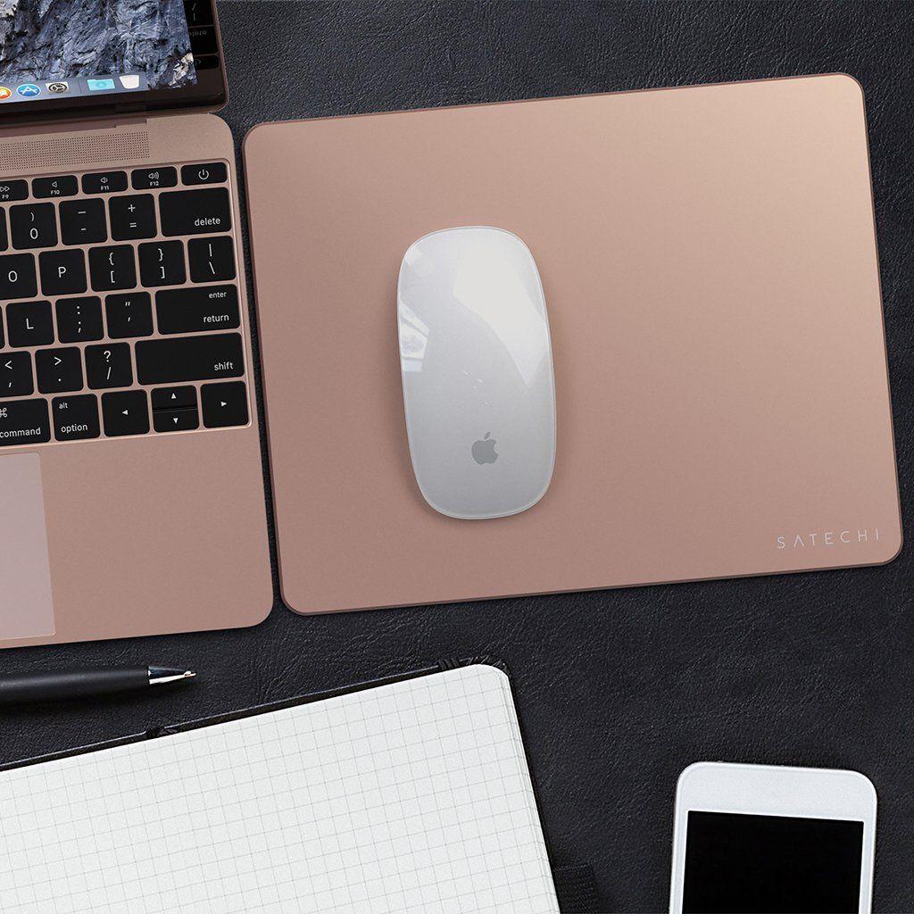 Mac mini hekte to skjermer